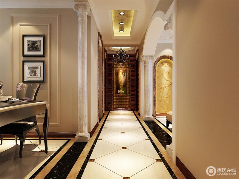 走廊地面采用拉花造型的菱格,简约中大方端庄,罗马柱.