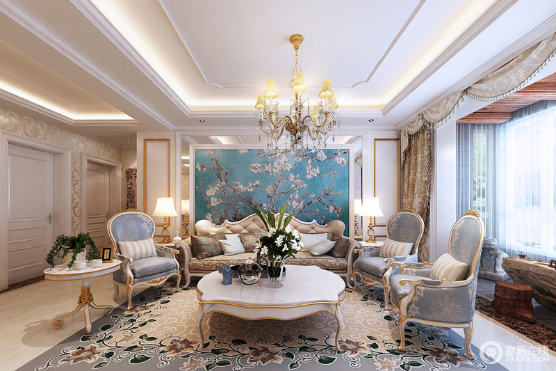 与浅蓝色丝绒家具染出欧式的清新,典雅中更显出轻奢.