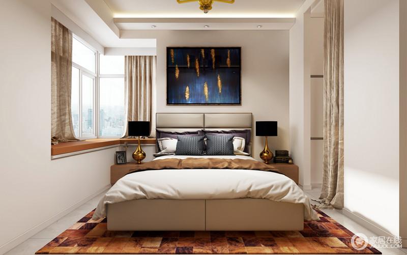 卧室着重营造了床头,黑色的线框与衣柜,门板呼应;装饰图片