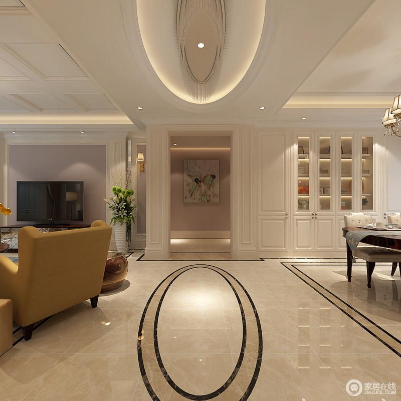 端景墙上的画作图案,与客厅挂画遥相呼应.