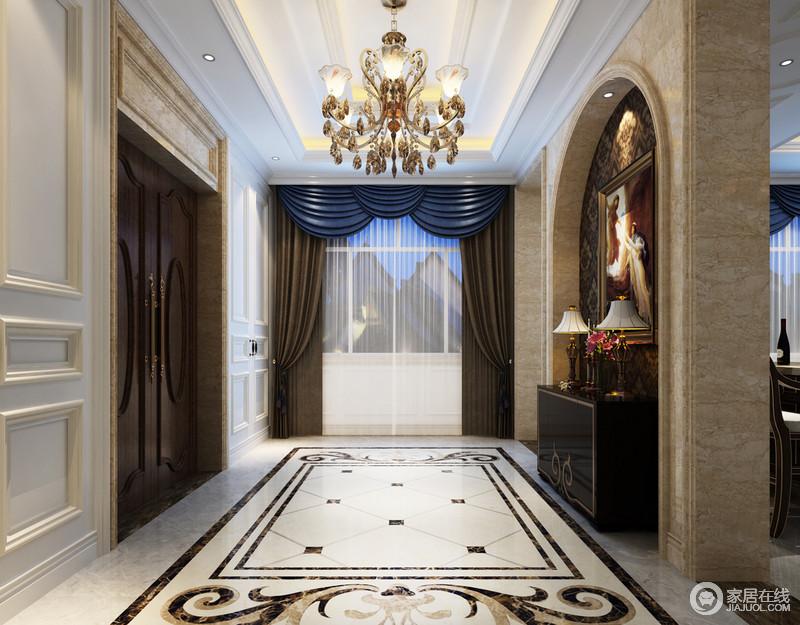 装修图库 玄关 欧式 玄关拱形门洞里饰以繁复的深褐色印花,与悬挂的