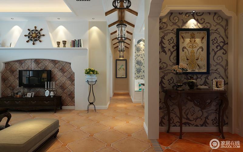 入户门背景在拱形门洞里镶嵌欧式印花壁纸,与挂画图案
