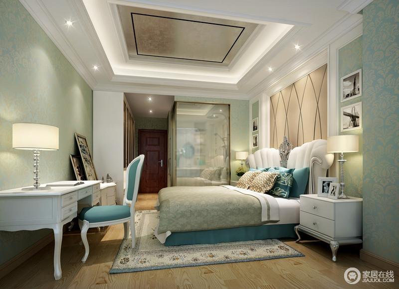 卧室通过石膏板加重矩形吊顶结构和线条层次,绿色欧式
