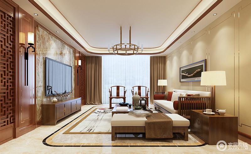 客廳米色調的墻面鑲嵌了簡式回字紋金線尤為輕奢,與灰色大理石和中式
