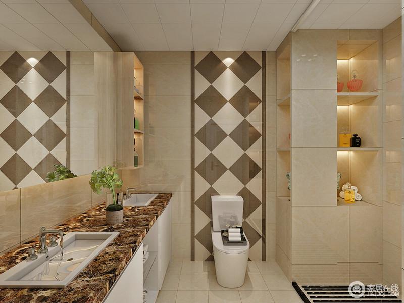 卫生间以米黄色的大理石砖铺陈,在墙面上做了壁龛收纳