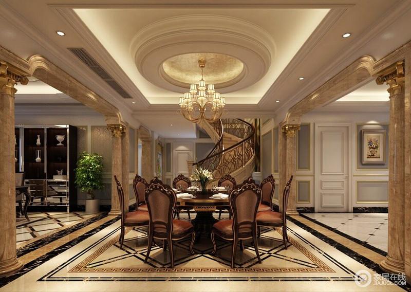 大气沉稳的褐红色餐椅上镶刻着雕花,圆形餐桌与天花顶造型呼应,两侧