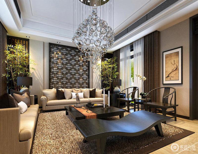 客厅的装修,中式风格的精髓是雅致,色调的选用上比较沉稳,以实木为主,而水晶灯与空间的融合也不过于突兀
