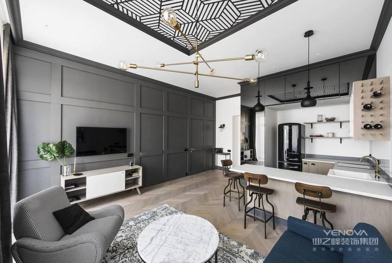 电视背景墙以深灰色为主,简单大方也做了充足的收餐座椅是一体式,整个空间巧妙的遮盖了户型的缺陷,使整体看起来更加的完美。纳