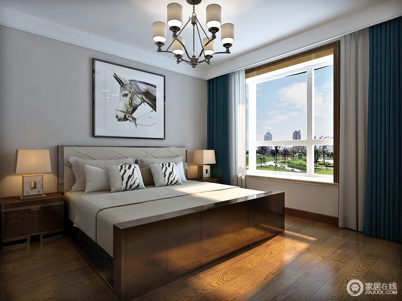 在色彩搭配上,新中式风格多以现代居住者为考虑,褐色为空间主基调,其他颜色作为局部色彩装饰,让卧室多了温和,也格外整洁。