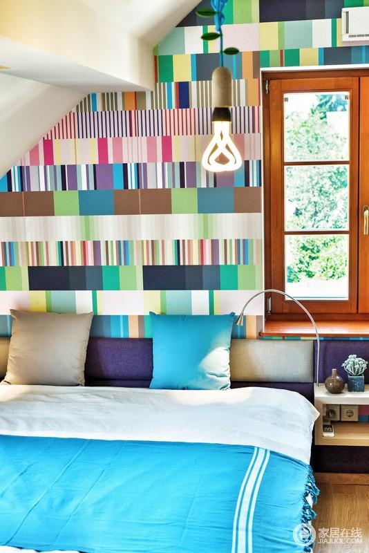 不同空间壁纸图案搭配,体现不同空间的生活习惯与喜好。
