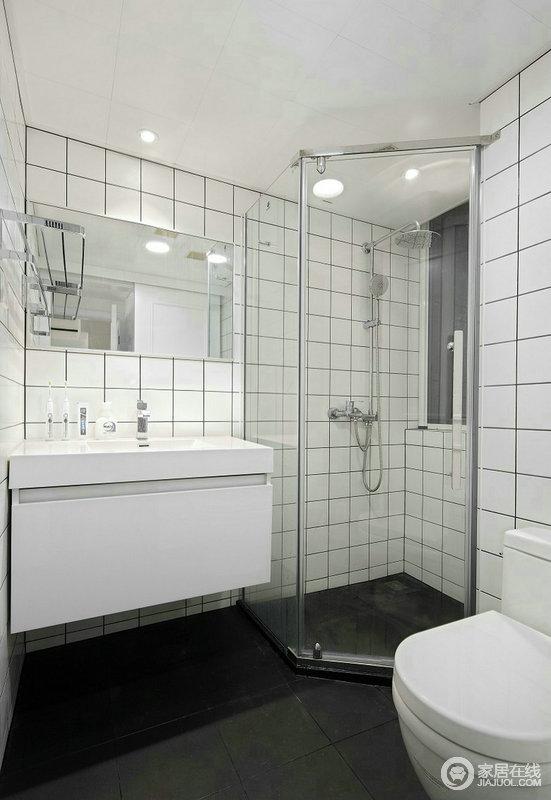 卫生间搭配白色的洁具,营造清新感。雅致的浴缸藏有让人放松身心的魔力;小而精致的卫生间,清爽整洁是主基调