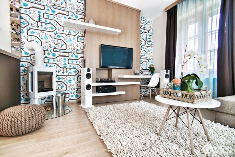 整体空间硬装简约装修,以浅色为主色调。