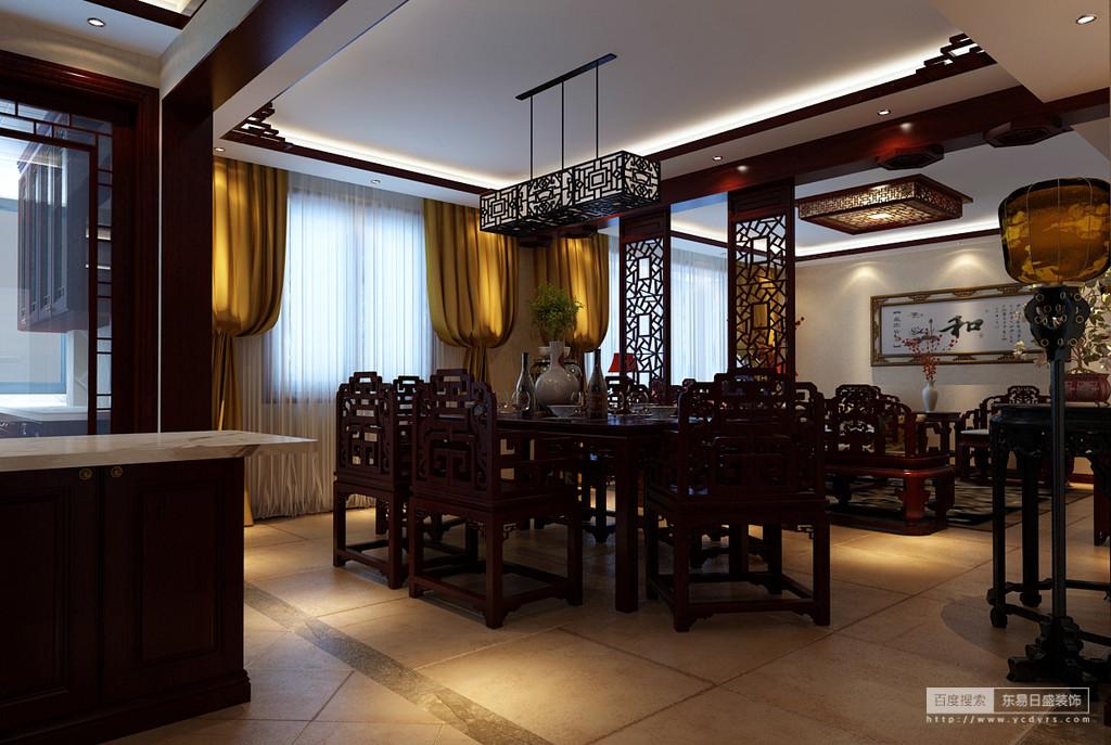 深棕色餐桌搭配土黄色的窗帘让整个餐厅在沉稳中具活力的气息