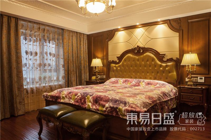 卧室的创投软包,衬托高贵气质