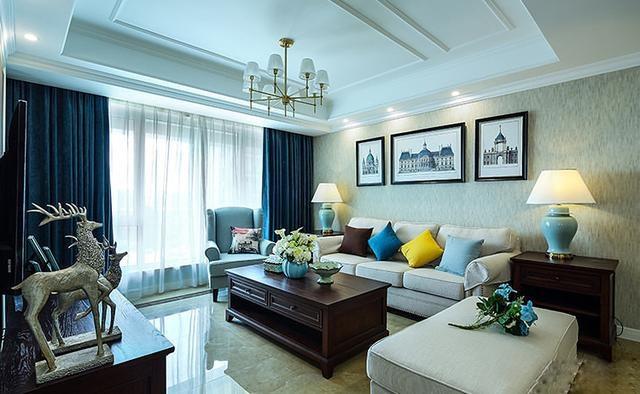 沙发茶几和窗帘的和谐搭配