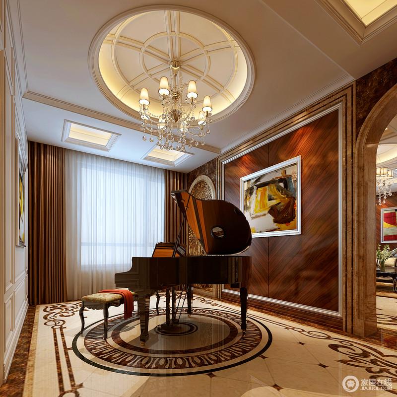 新古典风格从简单到繁杂、从整体到局部,精雕细琢,镶花刻金都给人一丝不苟的印象。