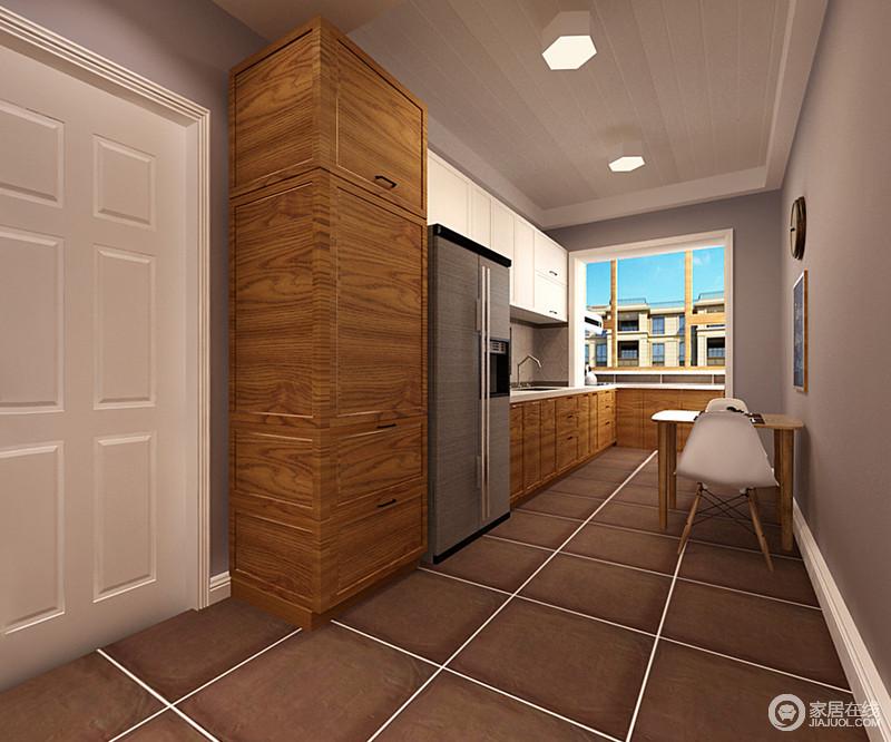 深褐色地砖质朴与浅驼色立面同属中性色,却以不同的色度令餐厨空间沉稳大气;白色悬挂柜与木制橱柜以明快的色彩、温实的质感更显品味;北欧风情的餐椅与原木餐桌轻妙的置于一处,简单实用。