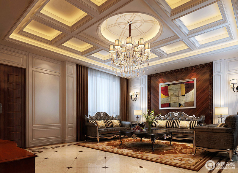 业主喜欢欧式风格,希望沉稳大气但又不要金碧辉煌,选用新古典主义设计风格,经过扩建后增大空间利用率,局部运用泰柚和白色护墙板做搭配,色调柔和又不是格调。