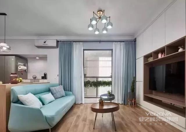 欧式风格华丽的装饰、浓烈的色彩、精美的造型来达到雍容华贵的装饰效果,这正是最适合别墅最理想的效果。