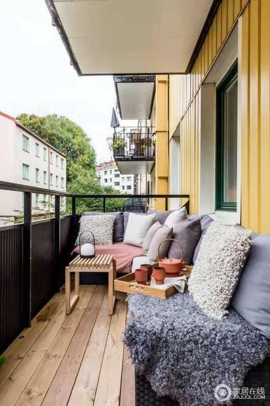 阳台空间,闲暇时光喝个小茶,晒个太阳,无比惬意。