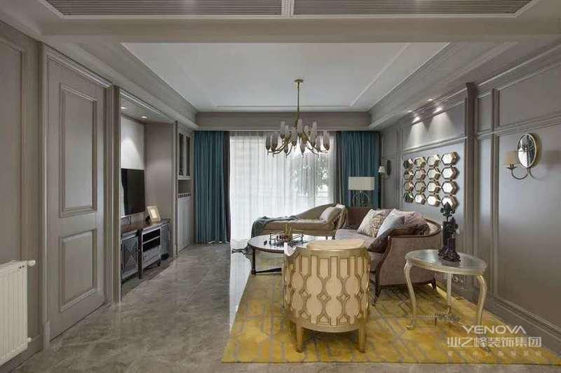 欧式风格主要以米色作为主色调,该风格的家具,采用纯手工的布艺制作,点缀碎花、条纹、苏格兰格,每一种布艺都乡土味道十足。