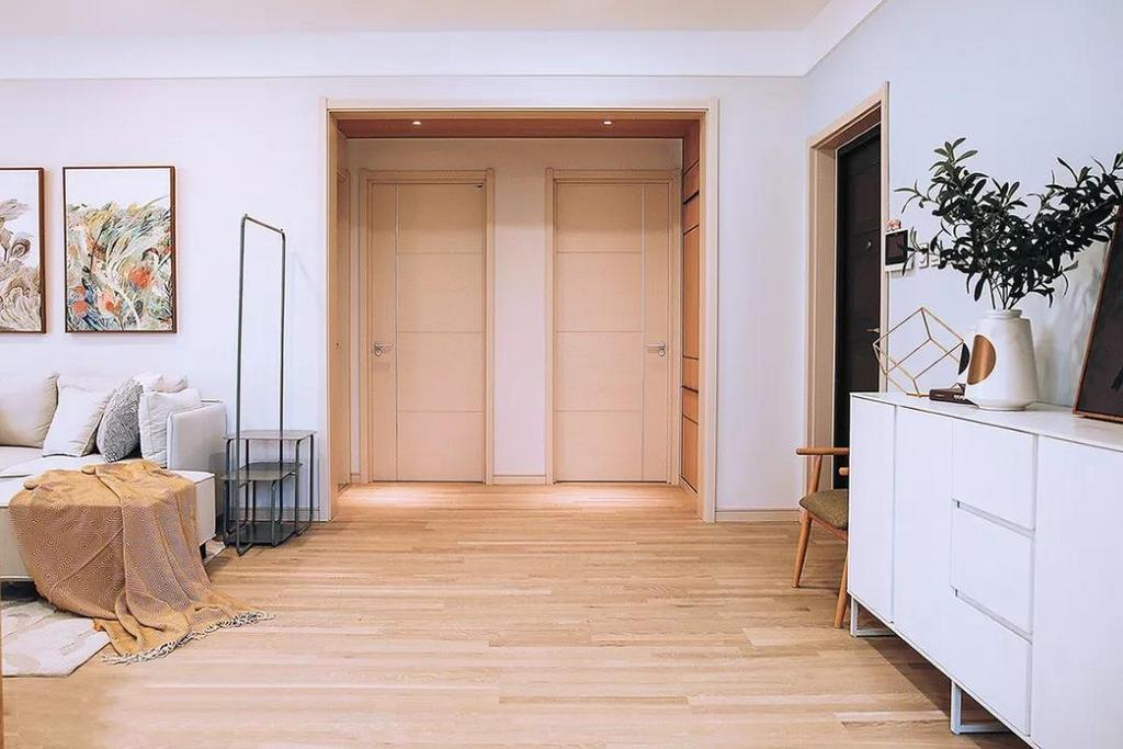 整屋通铺了木质地板,触感温润,自然美观。