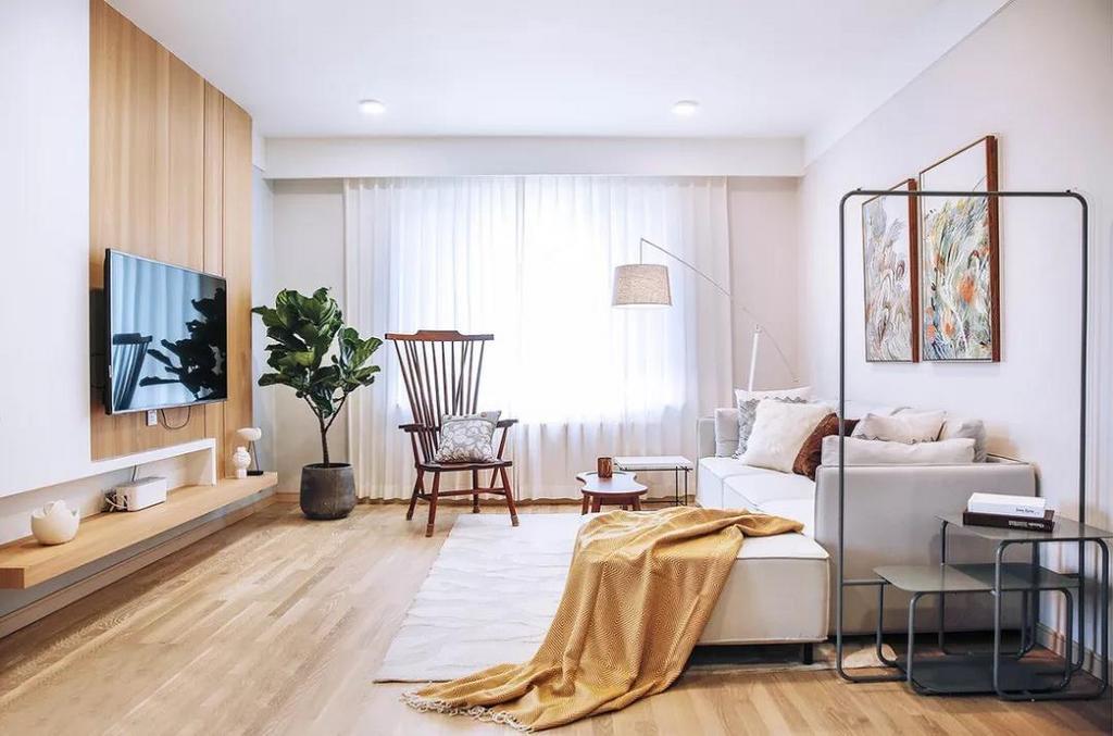 客厅以白色与木色为基调,整体空间温婉柔和的同时带着丝丝清爽。