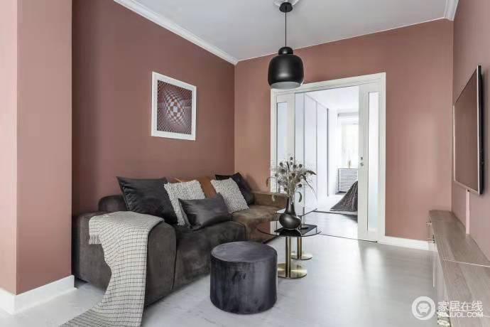 大胆设计粉色墙面不仅让空间焕然一新,粉色的温馨浪漫让心情回暖。