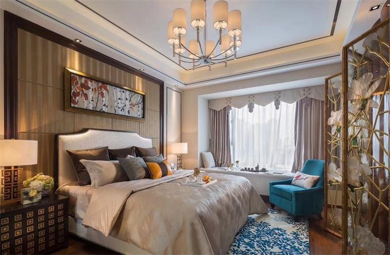 将中式材质混搭不同的古典特质,在卧室里添置一个小飘窗给睡眠空间拥有更多的可能。