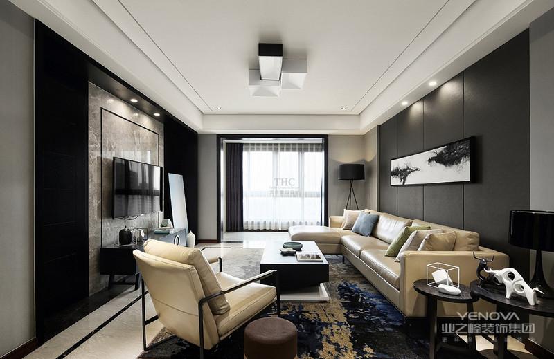 新中式风格的装修比较讲究空间上的层次感,在空间的隔断上,常使用屏风等家具,通过这样的风格展现出中式家庭的层次感,加上简约风格的融入,整体的空间也不会太过于端庄压抑。