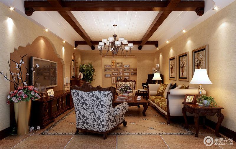 传统的美式风格没有厚重感,因为米色调的设计,增添了和暖;木梁的设计与复古美式家具,足显贵气。