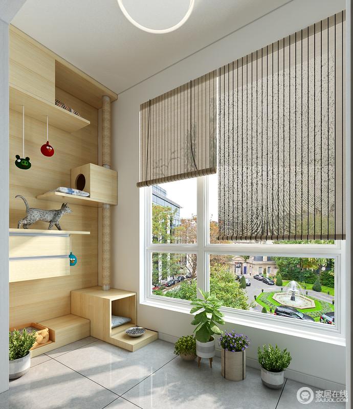 面积较小的客厅阳台,可利用左侧的空间为猫咪提供一个休息及玩耍的区域,右侧可做一个收纳柜,储存猫咪的生活用品及清理物品。层板的设计可以给猫咪提供攀爬的空间。
