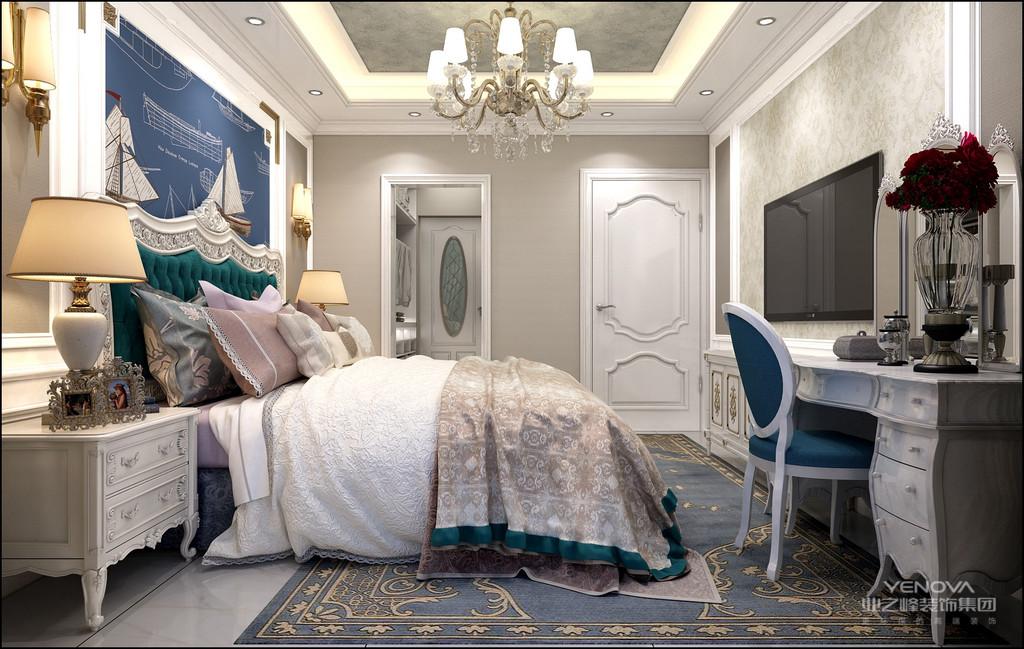 欧式风格形式上以浪漫主义为基础,装修材料常用大理石、多彩的织物、精美的地毯,精致的法国壁挂,整个风格豪华、富丽,充满强烈的动感效果。另一种是洛可可风格,其爱用轻快纤细的曲线装饰,效果典雅、亲切,欧洲的皇宫贵族都偏爱这个风格。