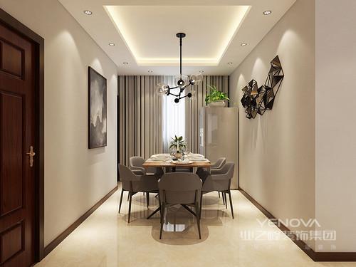 餐厅色彩看上去朴拙无华,挂画与金属墙饰、魔豆吊灯则装饰出空间的几分艺术感。烟灰色的沙发餐椅搭配原木餐桌,营造出一种淡定从容的恬淡氛围。
