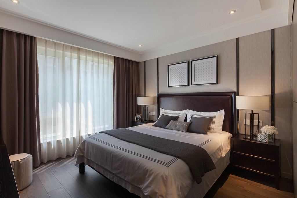 淡雅温馨的卧室空间可以满足睡眠需求,小清新风格的床褥搭配更是提升室内舒适度。