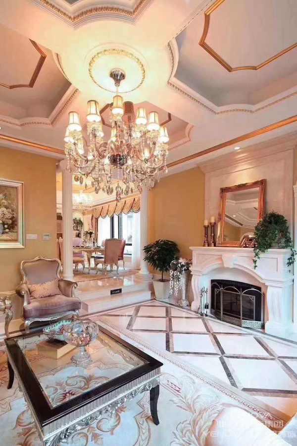 法式风格,指的是法兰西国家的建筑和家具风格。主要包括法式巴洛克风格、洛可可风格、新古典风格、帝政风格等,是欧洲家具和建筑文化的顶峰。  按国内市场上的说法,目前在市场上比较流行的别墅建筑风格大致有:中国传统的园林式风格(中式别墅)、北美风情风格(美式别墅)、欧陆传统的贵族风格(欧式别墅)、日式风格(日式别墅)、法式风情风格(法式别墅)