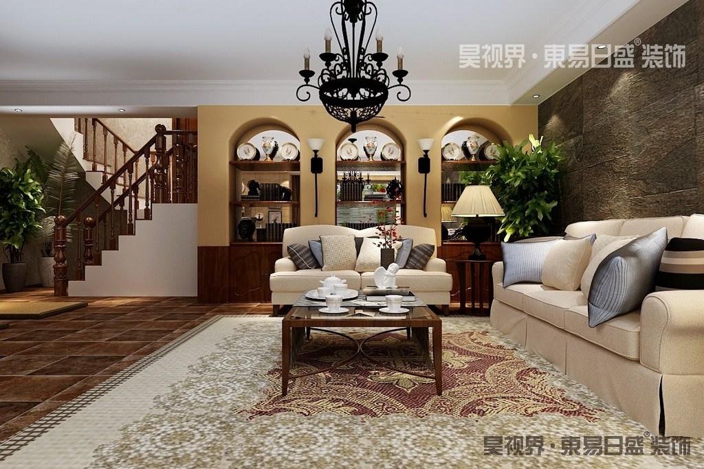 休闲室粗糙朴质的砖石沙发墙与复古地砖,搭配着富有节奏韵律的拱形门洞隔断墙,奠定了空间的美式格调;米白布艺沙发柔软舒适,地毯则用不同花纹层次渲染铺陈,令空间展现出朴风素雅的闲适悠然。