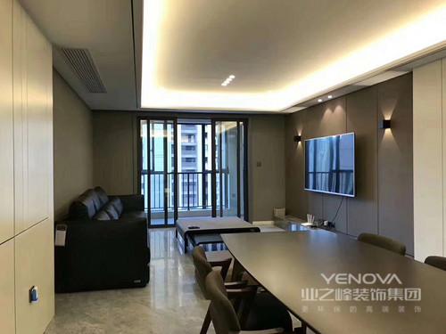 本案设计风格为现代,整个居室空间采用了低饱和度的色彩营造,同时设计师多用对比的手法,使色彩在空间里有了层次上的展现,由此氛围也被诠释的沉静内敛