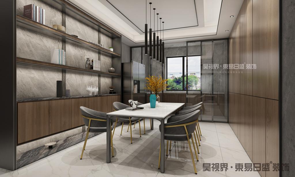 餐厅的装修同样雍容大气,虽然空间不大,但是质感很突出,灯饰造型比较特别,可谓将古典和现代完美融合,餐边柜的装饰也很有特色。