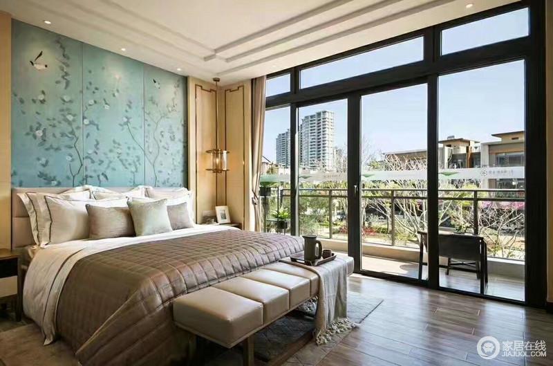 卧室,既表现传统文化元素,又兼顾现代人对生活的自由追求。