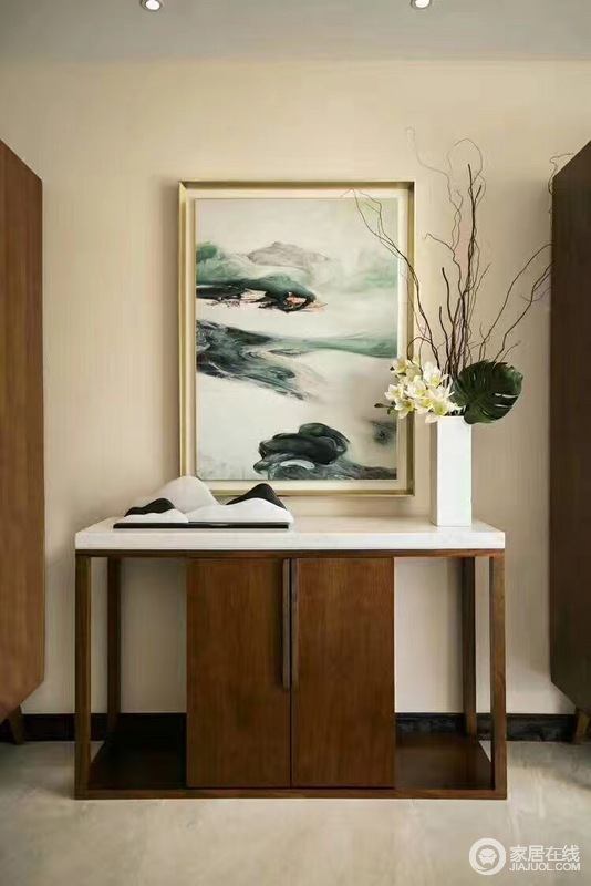"""在家居中,拥有一个""""古味""""十足的书房,一个可以静心潜读的空间,是一种享受。"""