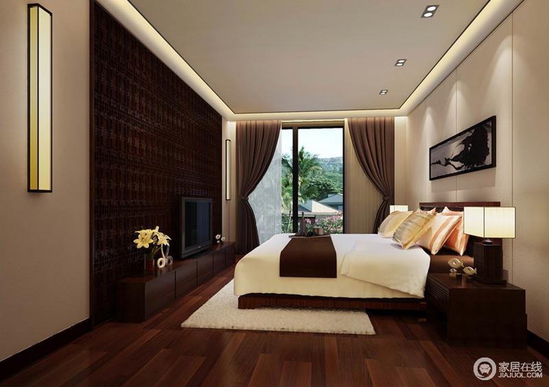 成熟优雅和素简古朴的空间色调,让卧室浓淡分明;没哟设计主灯,点和线的光源营造,让光影分布的较为平均,空间也由此更加温馨舒适;床品上,靠枕的粉、黄色彩,添了几分婉雅的甜美气息。