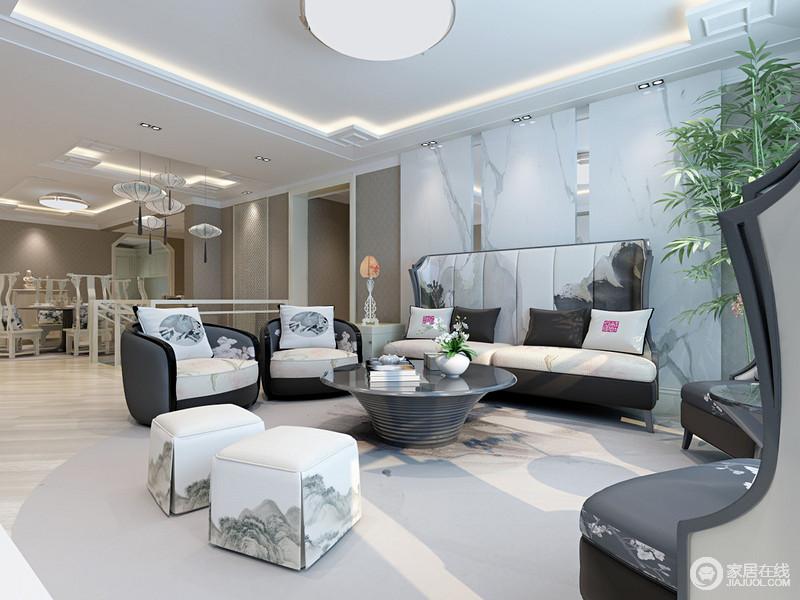 空间入口处的上空悬挂着中式灯笼,尽显中式之雅;浅白色理石砖作为背景墙尽显抽象艺术,与黑白云脉及花卉风情的沙发独显自然之韵,让客厅自生景色,自造舒适。