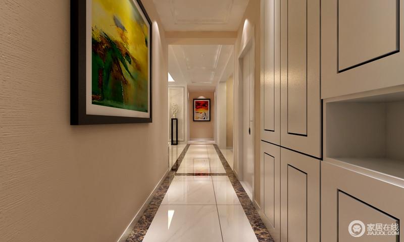 长长的过道用了在地砖的反射下变得很亮墙面用白色的板贴着让空间变得更加富有层次感。
