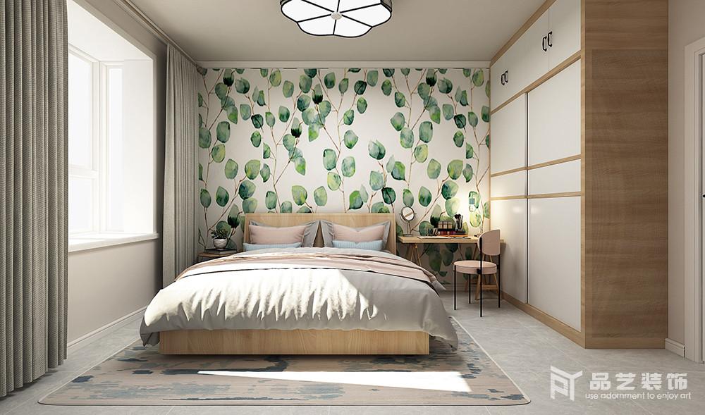 卧室设计上讲究简单、得体,白色衣柜与木床将材质和色彩都做了平衡,营造北欧素雅;灰色的地砖带着水泥的色调,裹挟着同色系床品,让气氛尤为沉寂,而绿色壁纸铺贴在背景墙一改空间的基调,带来一种迎面而来的清新。