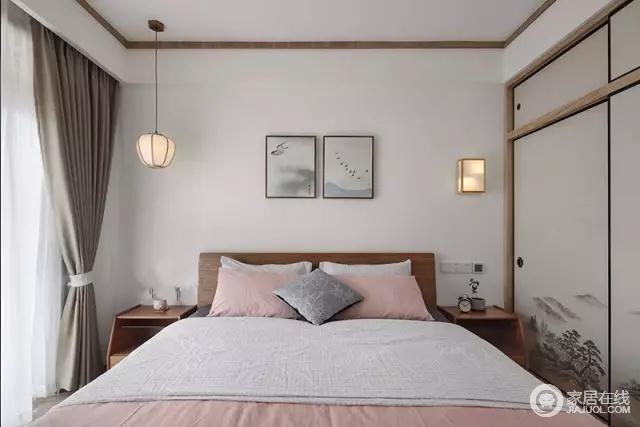 主卧,配色特别清新浪漫。衣柜是推拉门款式,柜门上画有精致的山水画,业主特别喜欢