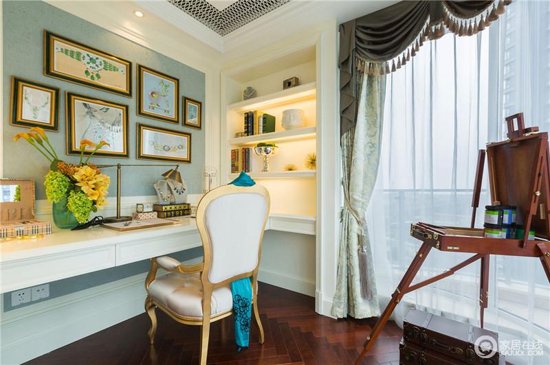书房白色为主色调,绿色的墙漆搭配,可以给你提供一个安静的阅读环境,让你浮躁的心情慢慢的静下来。