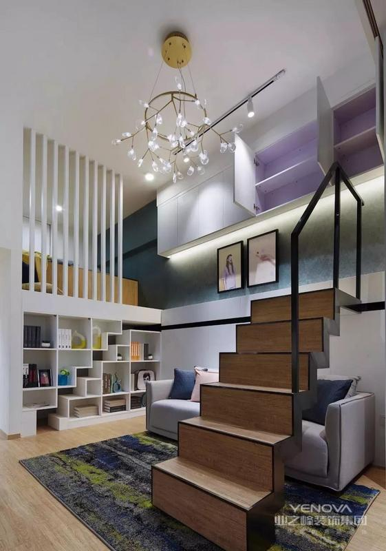 现代风小户型案例,房子本来是二居室的格局,设计师利用3.6米的挑高,来做了一个loft的设计,把厨卫上方的空间给改成了一个小卧室,让这个小家变得更加实用和美观。