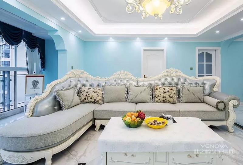 今天带来的是一个160平的复式案例,采用简欧和地中海的混搭风格设计。整体选用浅蓝的色调,白色搭配明亮的融入清爽,营造一种轻奢的感觉。一起来看看吧!