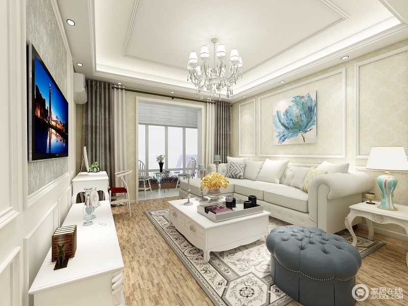 在客厅配色方面,主要以蓝白色彩为主,辅以暖色调的软装进行点缀,简约的电视柜,清新的小盆栽,灰褐色的方形地毯,为这静谧而柔和的客厅加色了不少。